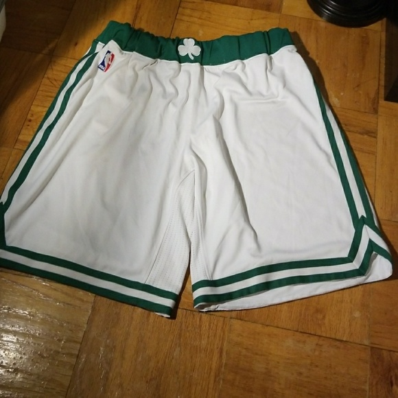 huge selection of 4dc61 d657e Boston Celtics NBA Icon Swingman Short, XL